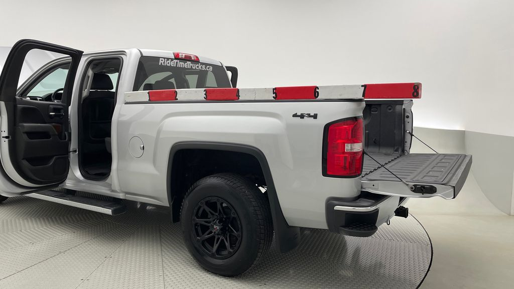 Silver[Quicksilver Metallic] 2014 GMC Sierra 1500 SLE 4WD - Double Cab, V6, Black Alloys Additional Photo 3 in Winnipeg MB