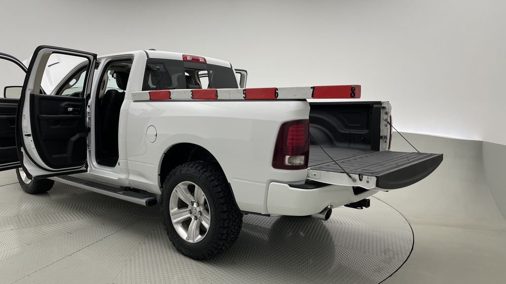 White[Bright White] 2015 Ram 1500 Sport 4WD - Lifted, NAV, Leather, Sunroof Additional Photo 3 in Winnipeg MB