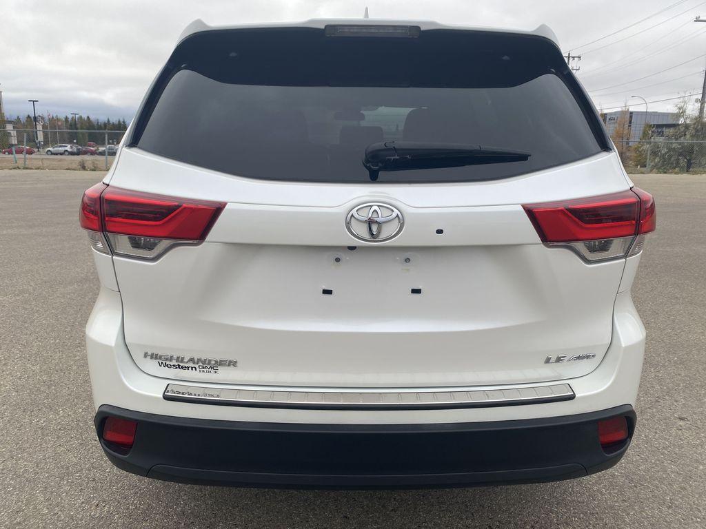 White 2018 Toyota Highlander Rear of Vehicle Photo in Edmonton AB