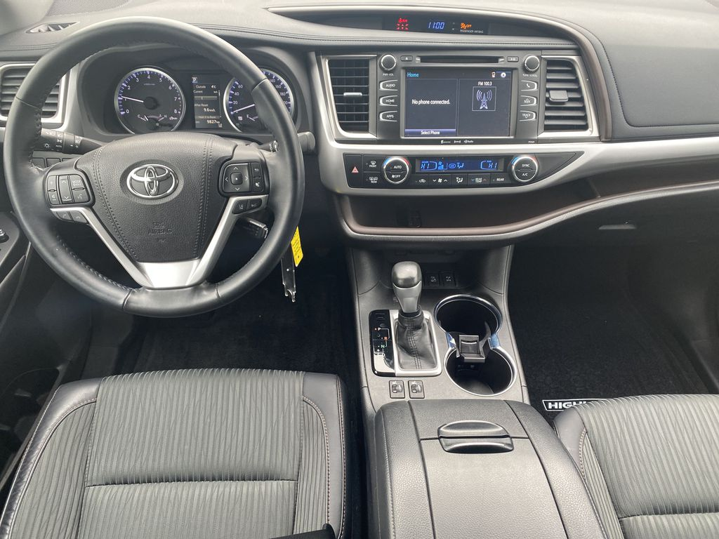 White 2018 Toyota Highlander Strng Wheel/Dash Photo: Frm Rear in Edmonton AB