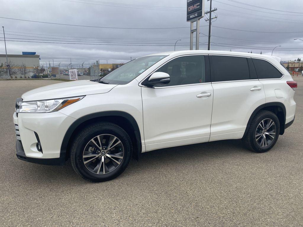 White 2018 Toyota Highlander Left Side Photo in Edmonton AB
