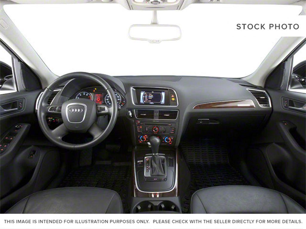 2010 Audi Q5 Central Dash Options Photo in Edmonton AB