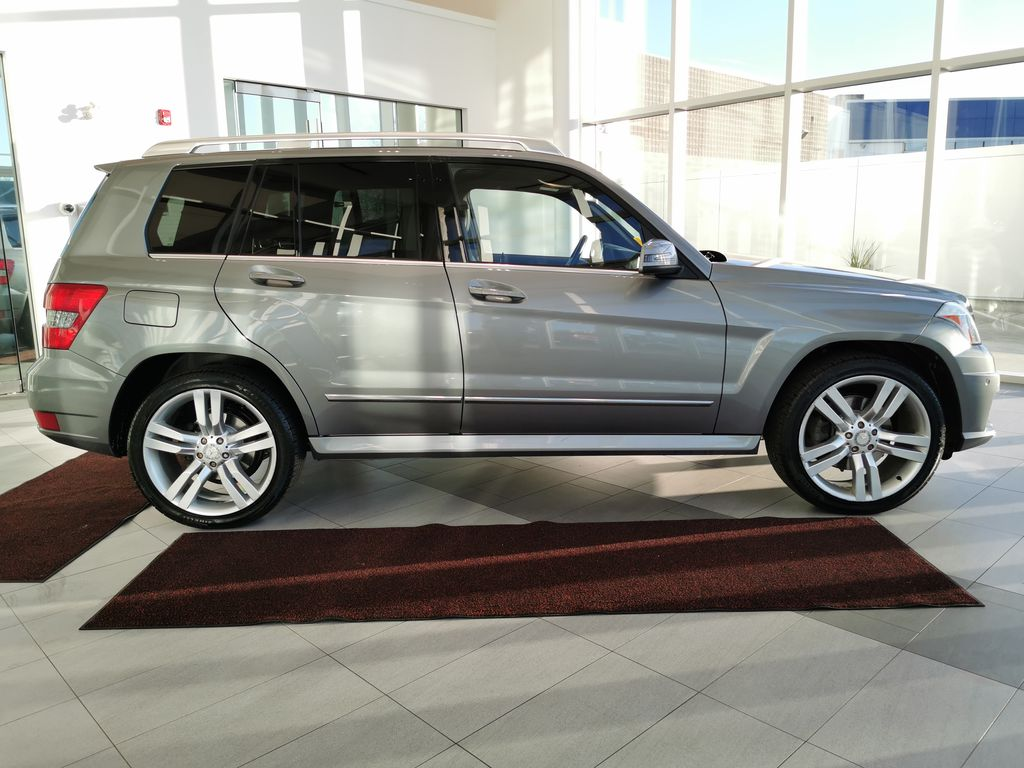 Silver[Palladium Silver Metallic] 2012 Mercedes-Benz GLK-Class Right Side Photo in Edmonton AB