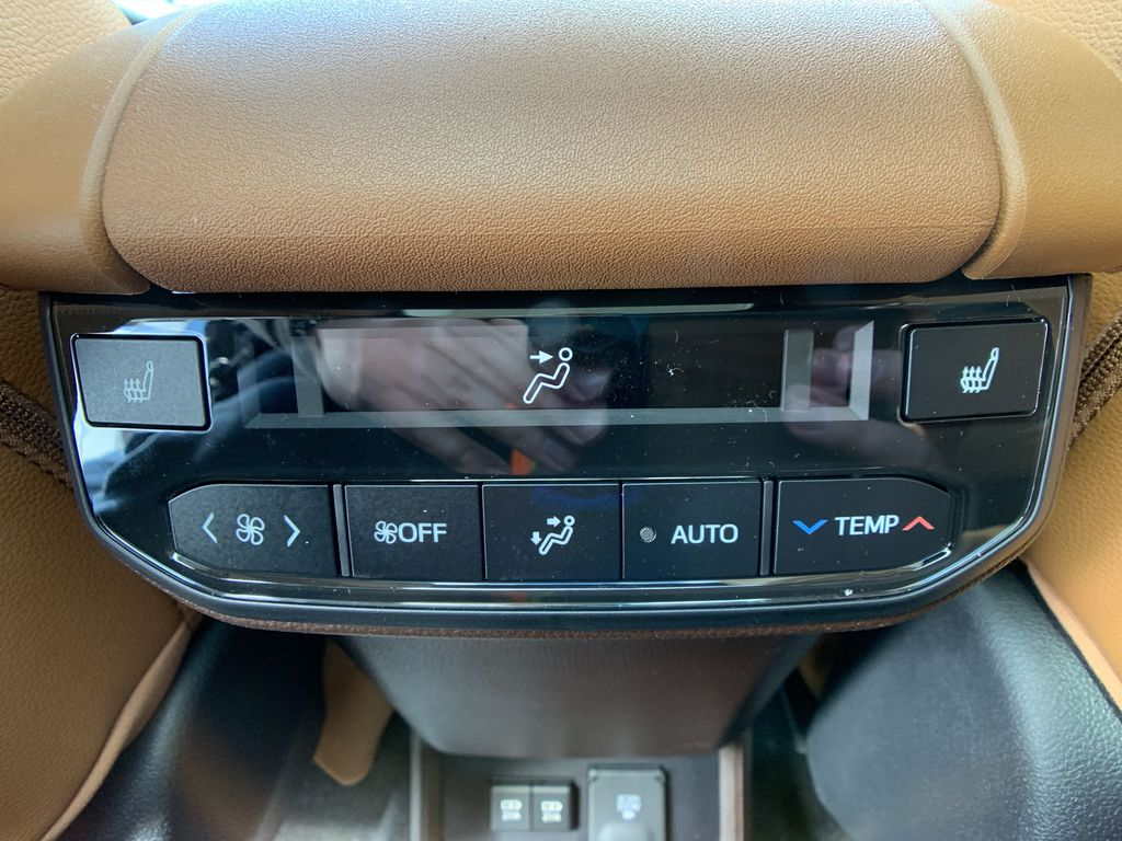Brown[Opulent Amber] 2021 Toyota Highlander AWD Platinum Package DZRBHT BP Right Side Front Seat  Photo in Brampton ON
