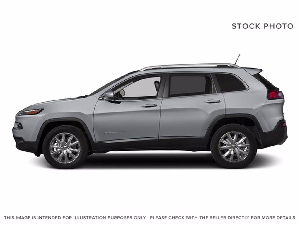 Silver[Billet Metallic] 2015 Jeep Cherokee Left Front Interior Photo in Brandon MB