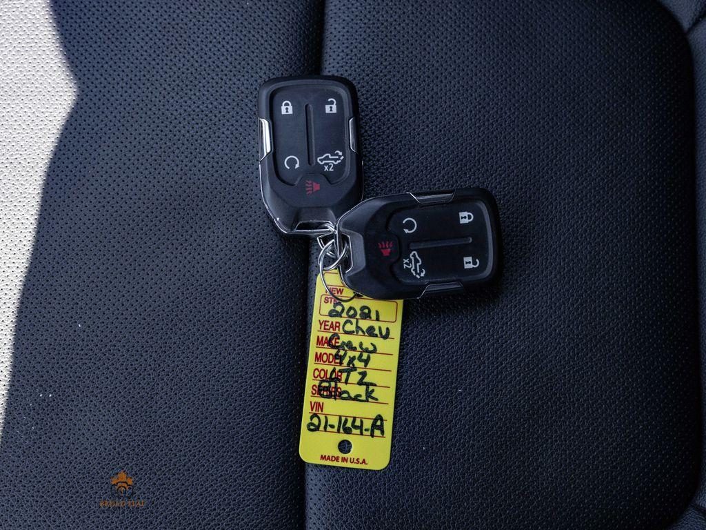 Black[Black] 2021 Chevrolet Silverado 1500 Key and Fob Photo in Nipawin SK