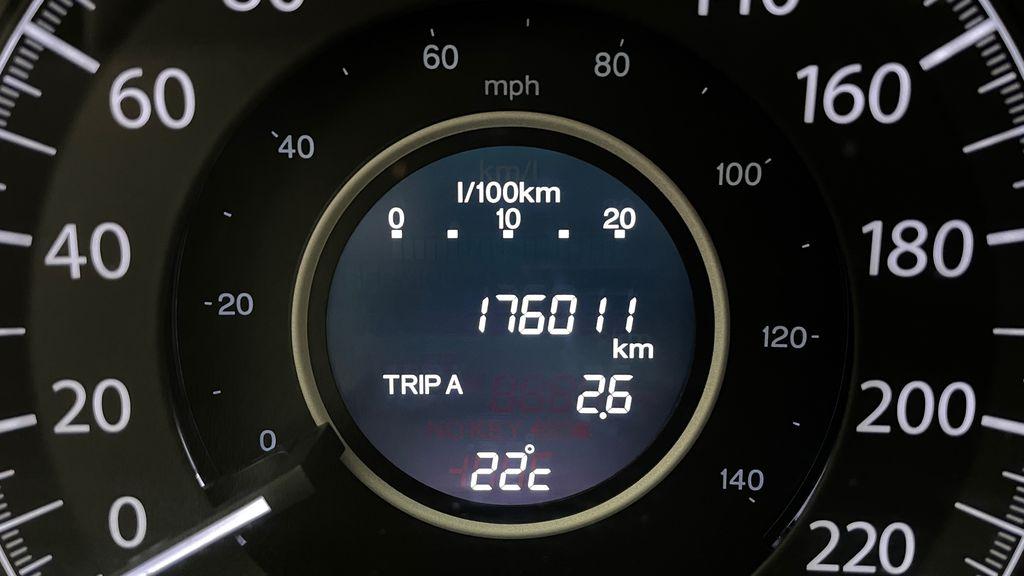 Silver[Alabaster Silver Metallic] 2015 Honda CR-V LX AWD - Backup Camera, Heated Seats Odometer Photo in Winnipeg MB