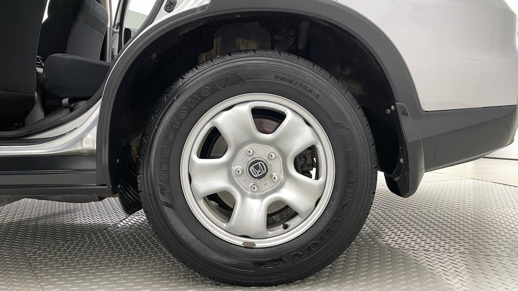 Silver[Alabaster Silver Metallic] 2015 Honda CR-V LX AWD - Backup Camera, Heated Seats Left Rear Rim and Tire Photo in Winnipeg MB