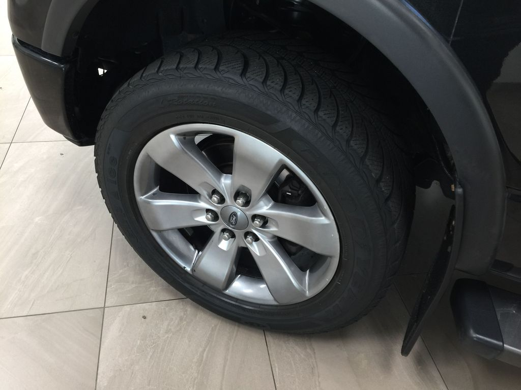 BLACK 2013 Ford F-150 CREWCAB 3.5L ECOBOOST / LEATHER SUNROOF Left Front Rim and Tire Photo in Sherwood Park AB