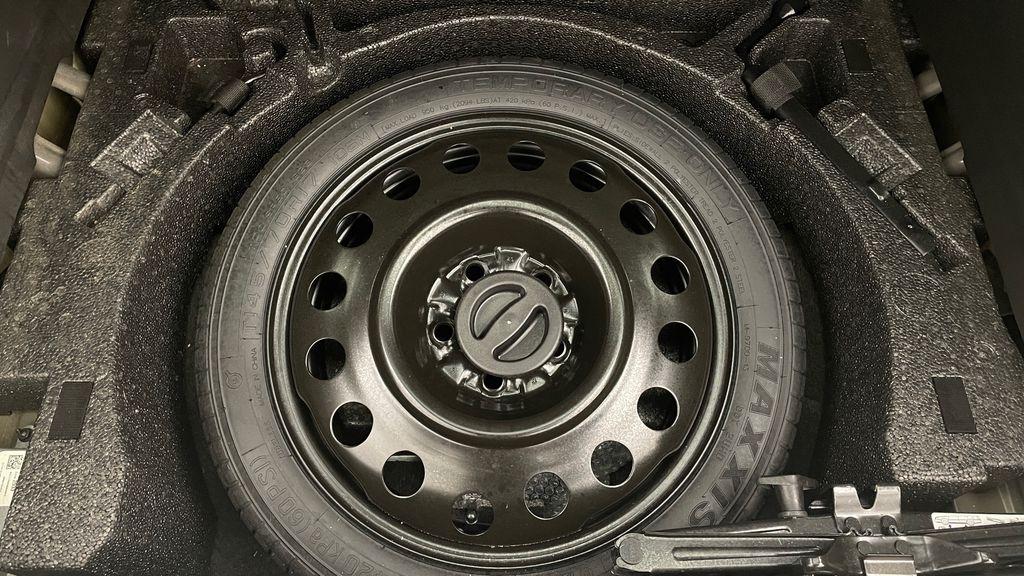 Black[Ebony Twilight Metallic] 2016 GMC Terrain SLE AWD - SUPER LOW KMS, Bluetooth, Backup Cam Third Row Seat or Additional  Photo in Winnipeg MB