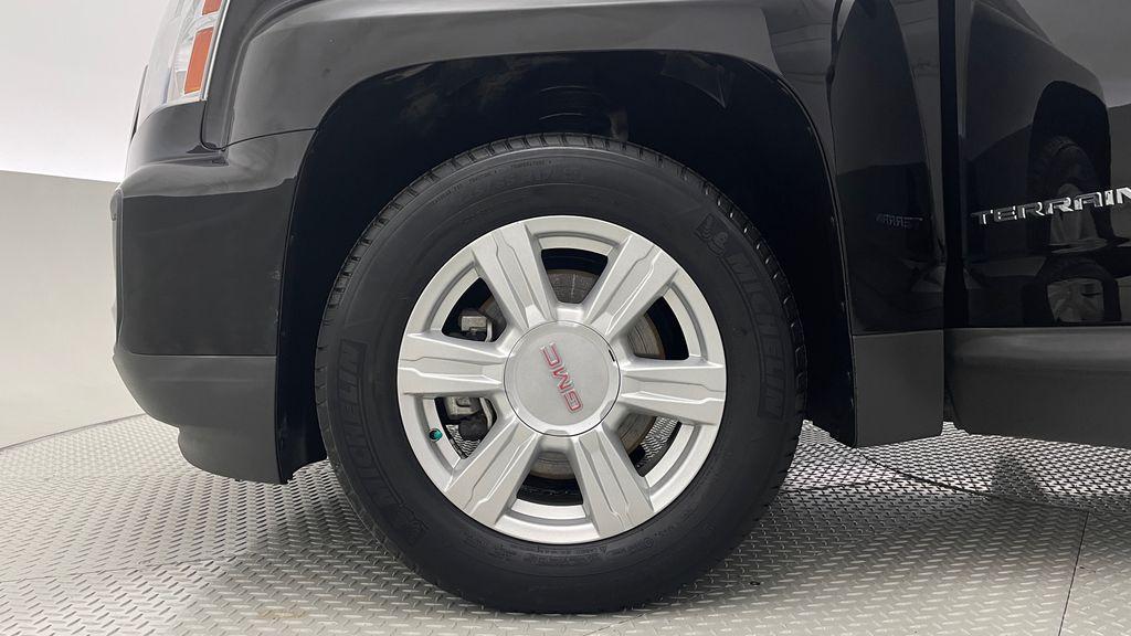 Black[Ebony Twilight Metallic] 2016 GMC Terrain SLE AWD - SUPER LOW KMS, Bluetooth, Backup Cam Left Front Rim and Tire Photo in Winnipeg MB