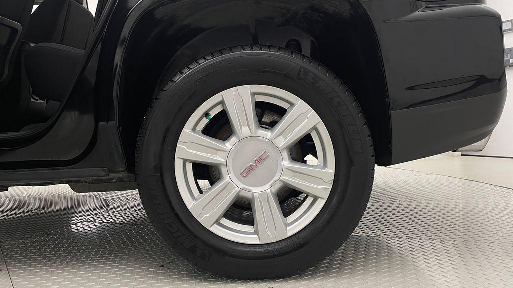 Black[Ebony Twilight Metallic] 2016 GMC Terrain SLE AWD - SUPER LOW KMS, Bluetooth, Backup Cam Left Rear Rim and Tire Photo in Winnipeg MB