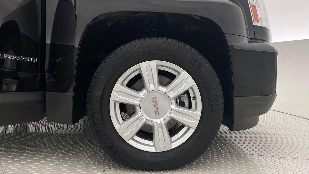 Black[Ebony Twilight Metallic] 2016 GMC Terrain SLE AWD - SUPER LOW KMS, Bluetooth, Backup Cam Right Front Rim and Tire Photo in Winnipeg MB