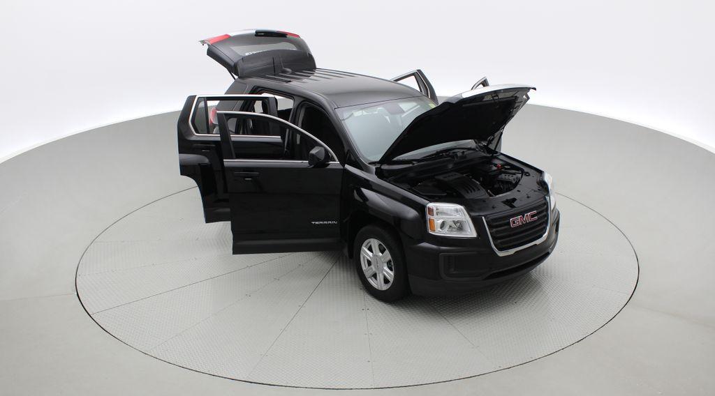 Black[Ebony Twilight Metallic] 2016 GMC Terrain SLE AWD - SUPER LOW KMS, Bluetooth, Backup Cam Left Front Corner Photo in Winnipeg MB