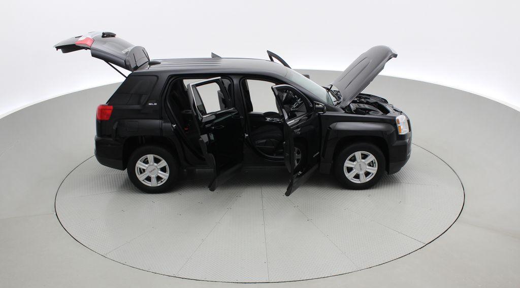 Black[Ebony Twilight Metallic] 2016 GMC Terrain SLE AWD - SUPER LOW KMS, Bluetooth, Backup Cam Right Side Photo in Winnipeg MB