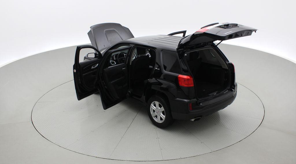 Black[Ebony Twilight Metallic] 2016 GMC Terrain SLE AWD - SUPER LOW KMS, Bluetooth, Backup Cam Right  Rear Corner Photo in Winnipeg MB
