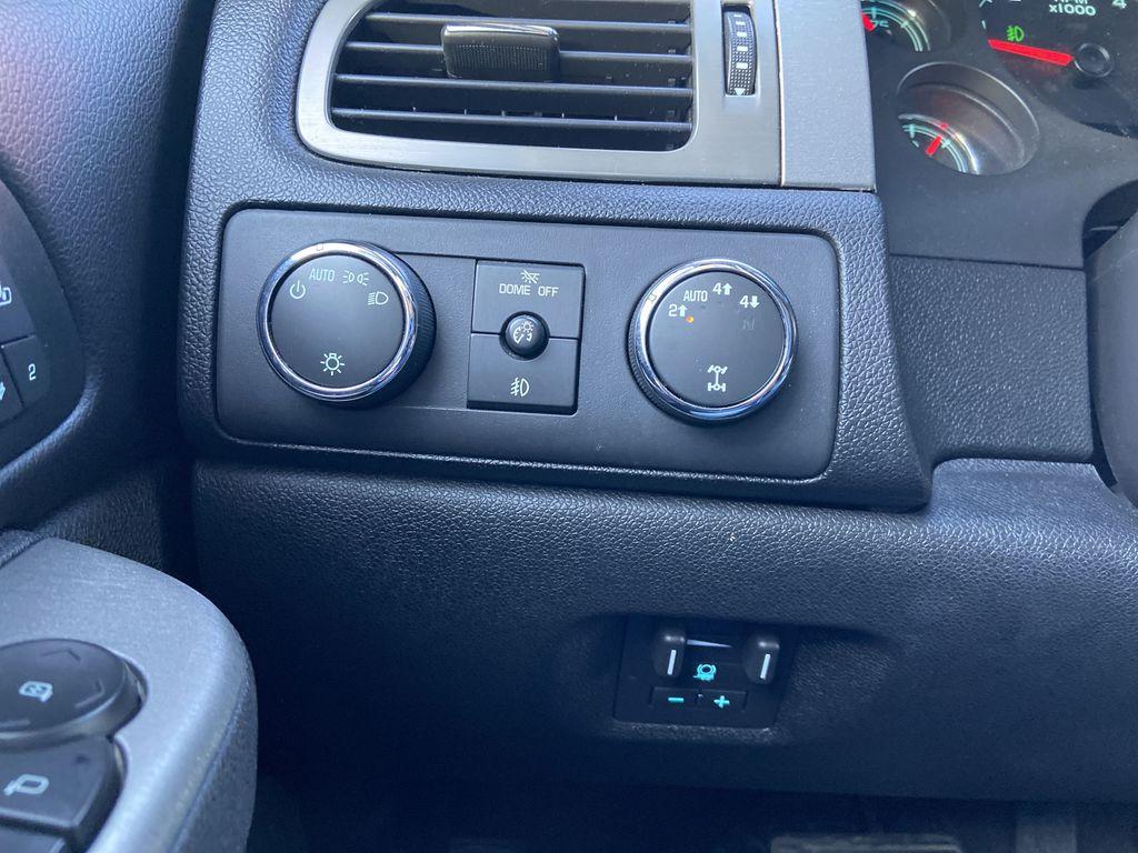 Black[Black] 2010 Chevrolet Avalanche LTZ Central Dash Options Photo in Calgary AB