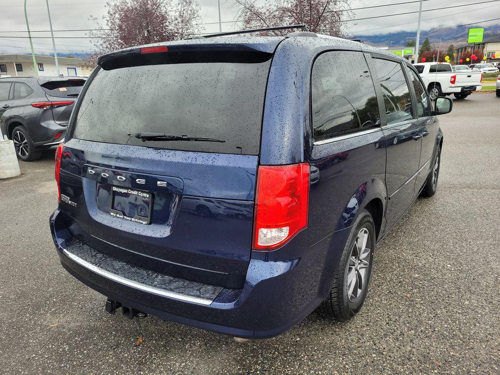 Blue[Jazz Blue Pearl] 2017 Dodge Grand Caravan Right Rear Corner Photo in Kelowna BC