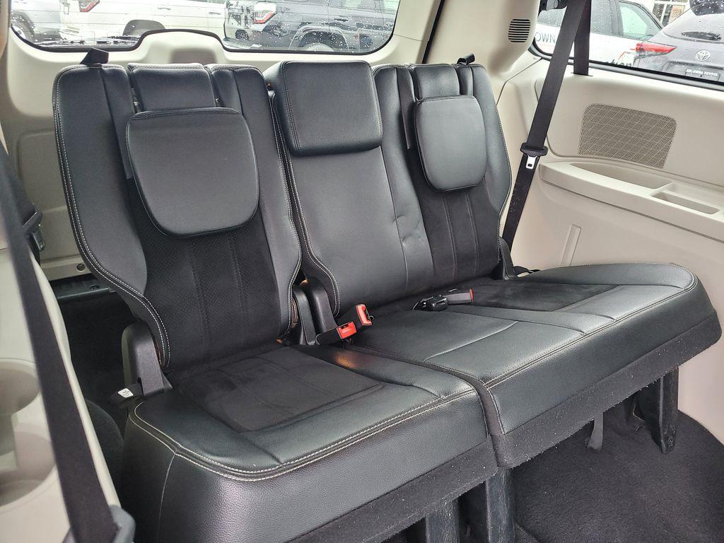 Blue[Jazz Blue Pearl] 2017 Dodge Grand Caravan Right Side Rear Seat  Photo in Kelowna BC