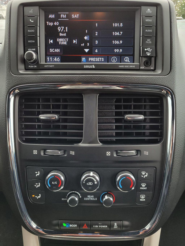 Blue[Jazz Blue Pearl] 2017 Dodge Grand Caravan Central Dash Options Photo in Kelowna BC