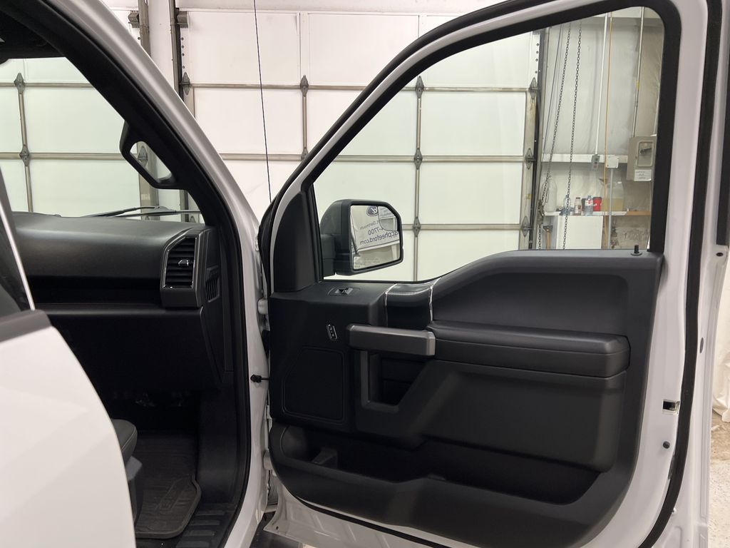 2019 Ford F-150 Right Front Interior Door Panel Photo in Dartmouth NS