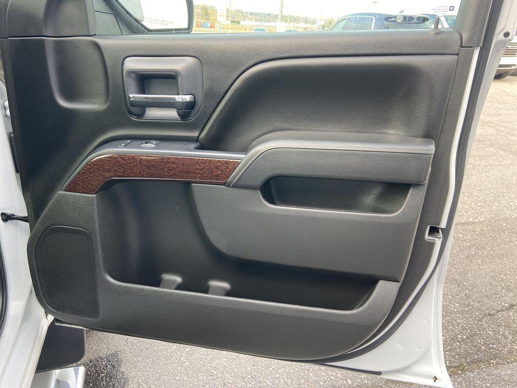 White[Summit White] 2016 GMC Sierra 1500 SLE Right Front Interior Door Panel Photo in Calgary AB