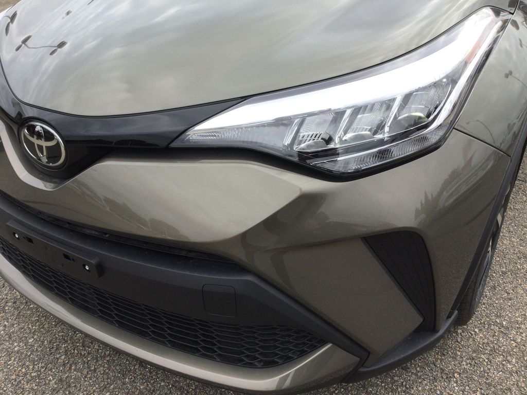 Brown[Bronze Oxide] 2021 Toyota C-HR Left Front Head Light / Bumper and Grill in Brockville ON