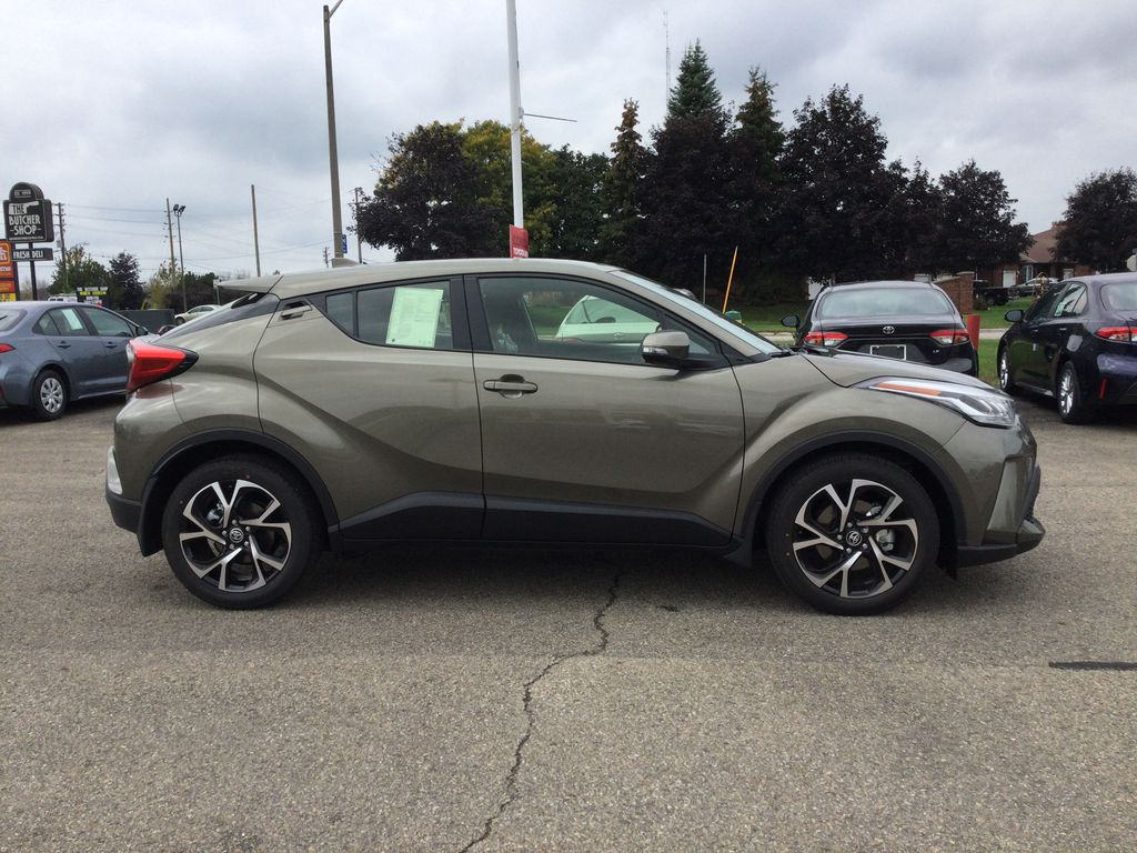 Brown[Bronze Oxide] 2021 Toyota C-HR Right Side Photo in Brockville ON