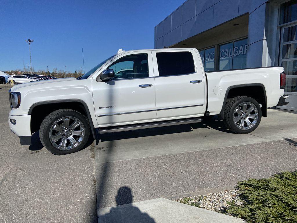 White[White Frost Tricoat] 2018 GMC Sierra 1500 Denali Left Front Corner Photo in Calgary AB