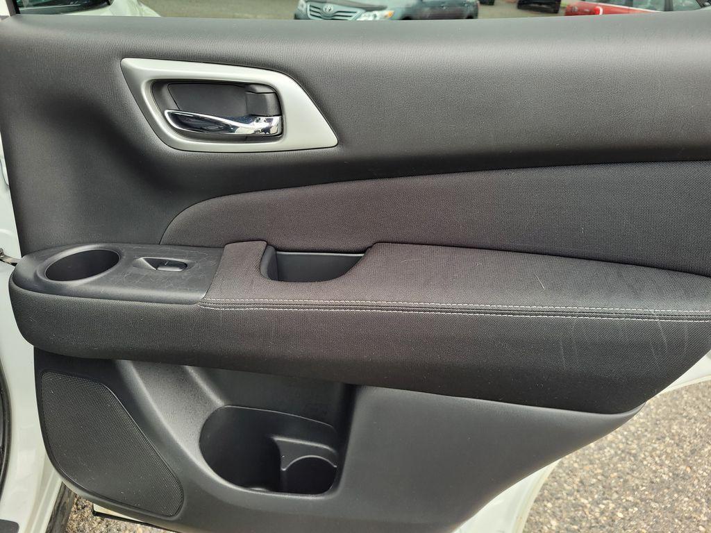 White[Glacier White] 2017 Nissan Pathfinder SV 4WD Right Rear Interior Door Panel Photo in Kelowna BC