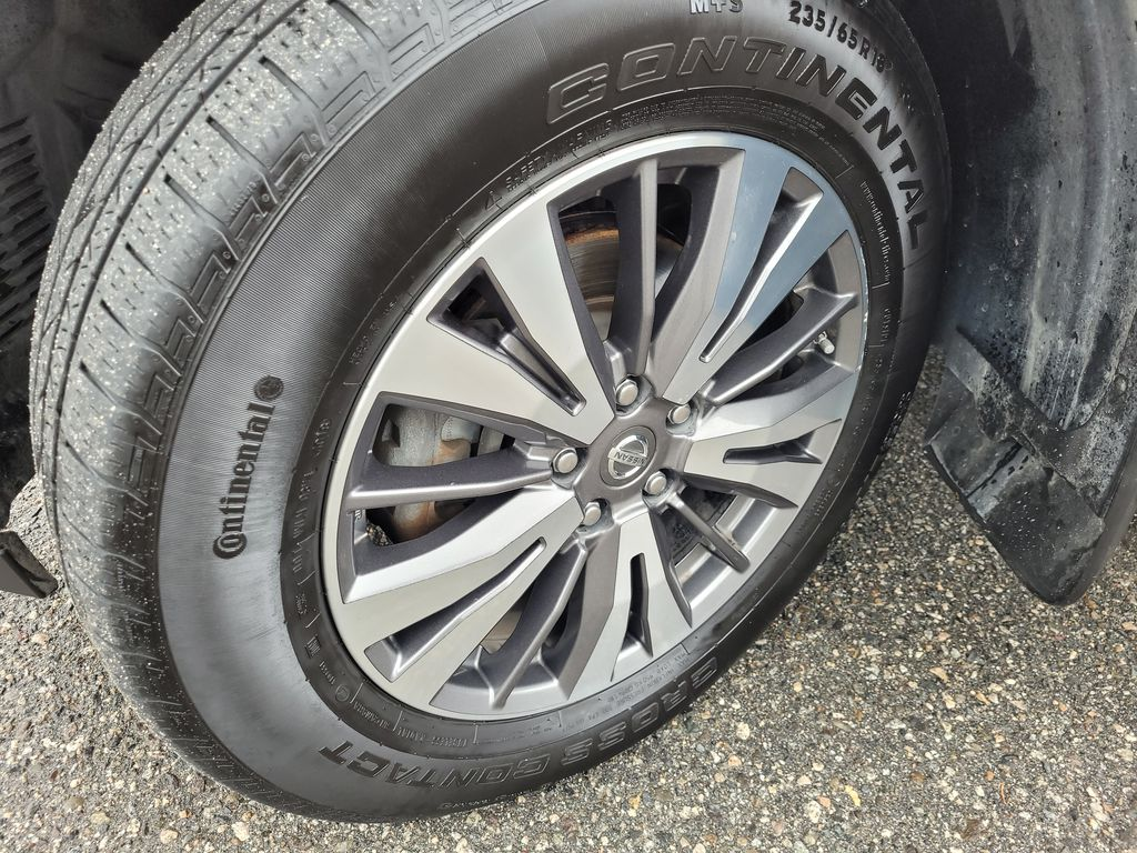 White[Glacier White] 2017 Nissan Pathfinder SV 4WD Left Front Rim and Tire Photo in Kelowna BC