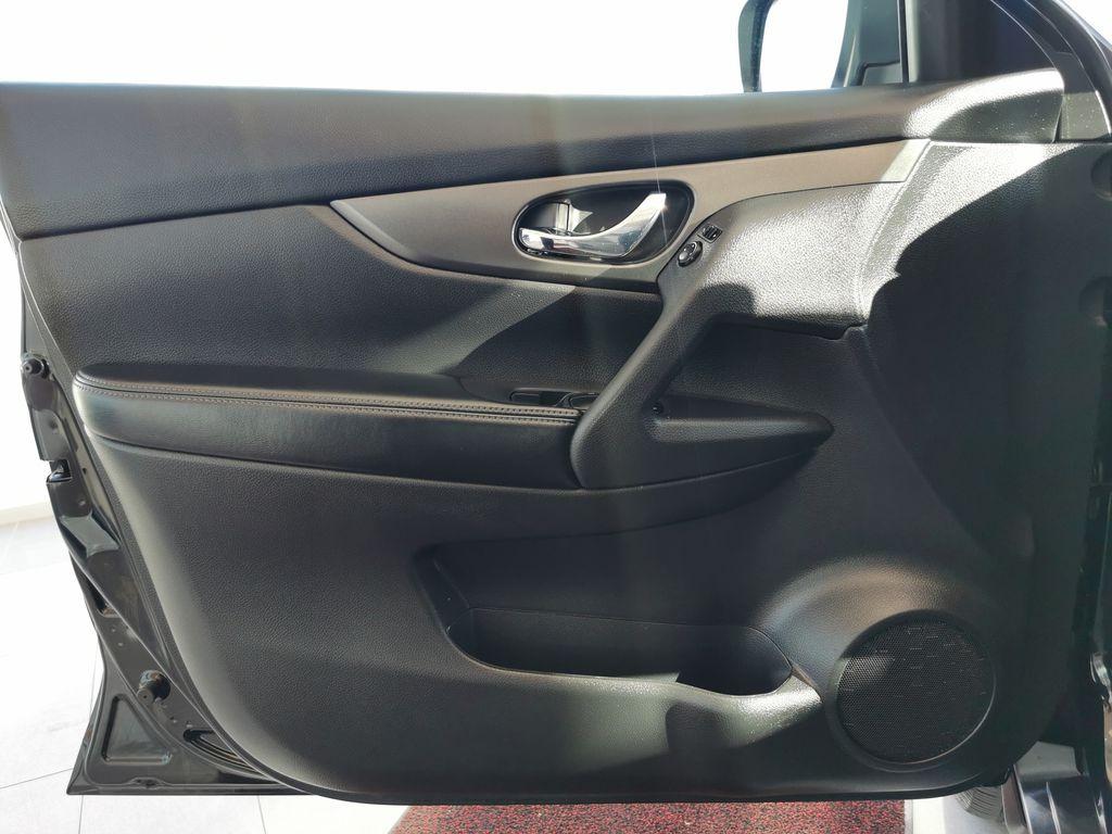 Black[Super Black] 2015 Nissan Rogue Left Front Interior Door Panel Photo in Edmonton AB