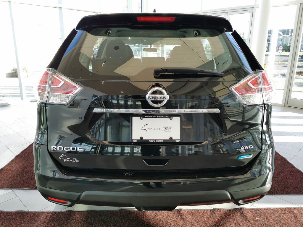 Black[Super Black] 2015 Nissan Rogue Rear of Vehicle Photo in Edmonton AB