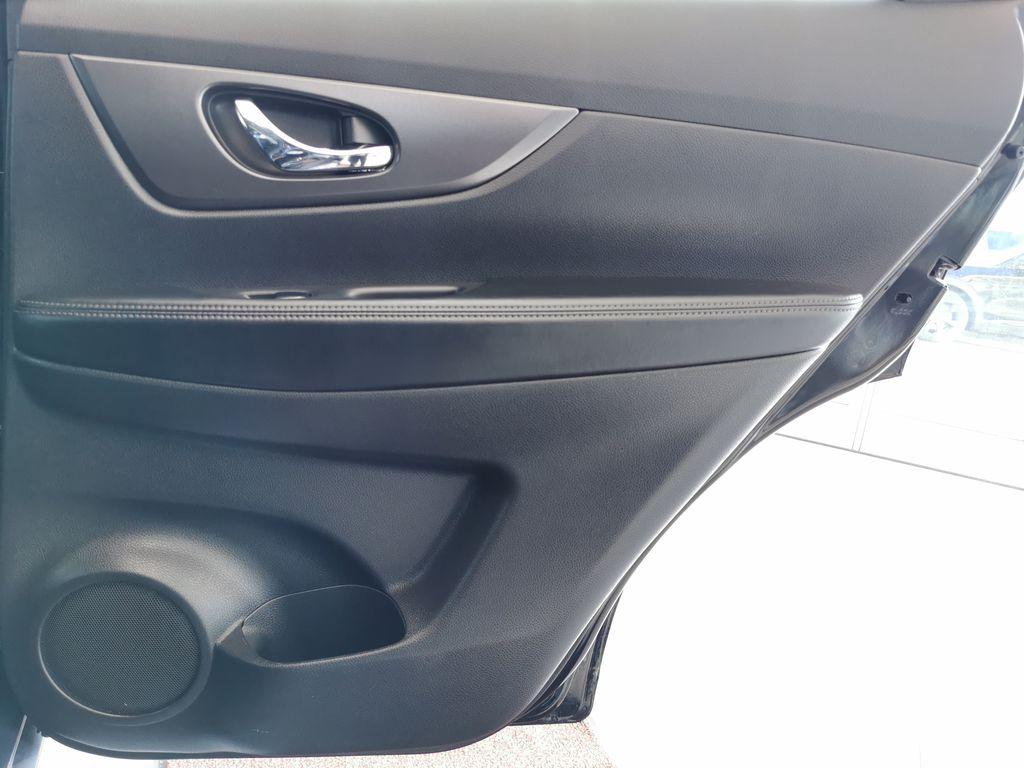 Black[Super Black] 2015 Nissan Rogue Right Rear Interior Door Panel Photo in Edmonton AB