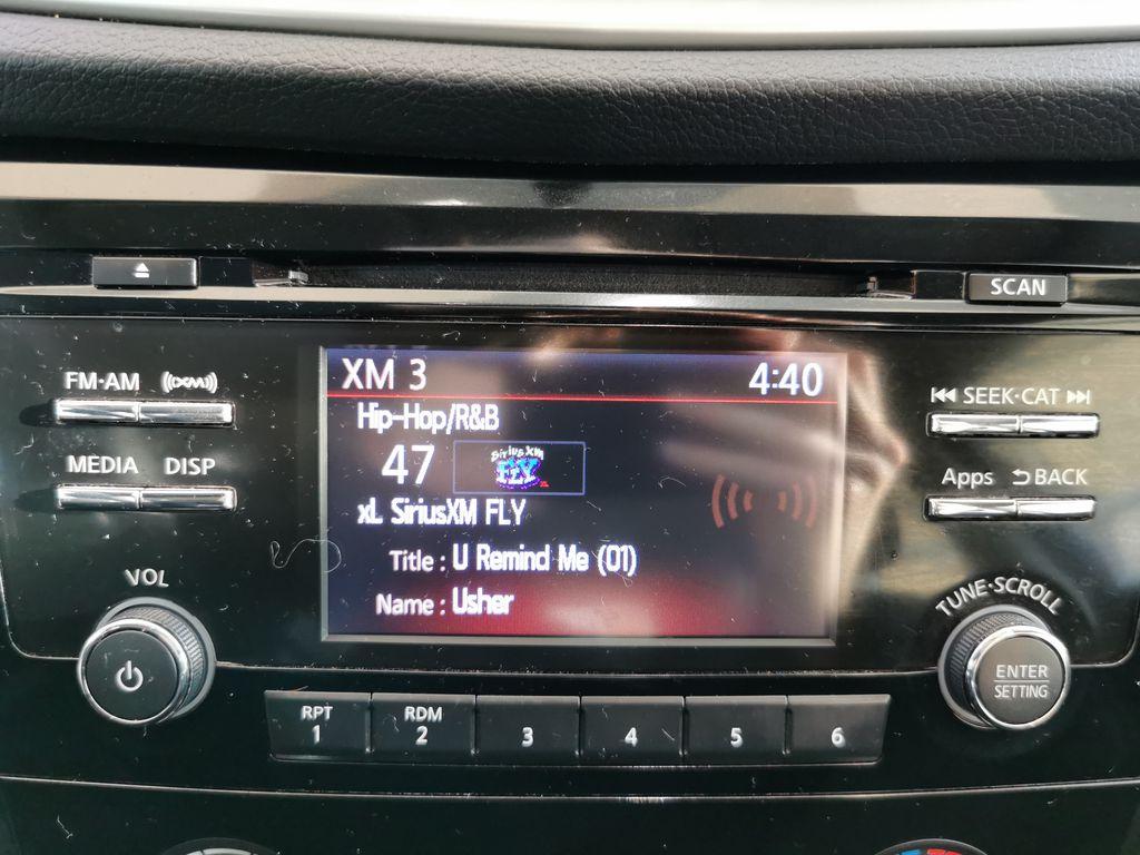 Black[Super Black] 2015 Nissan Rogue Radio Controls Closeup Photo in Edmonton AB