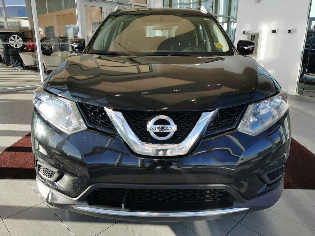 Black[Super Black] 2015 Nissan Rogue Front Vehicle Photo in Edmonton AB