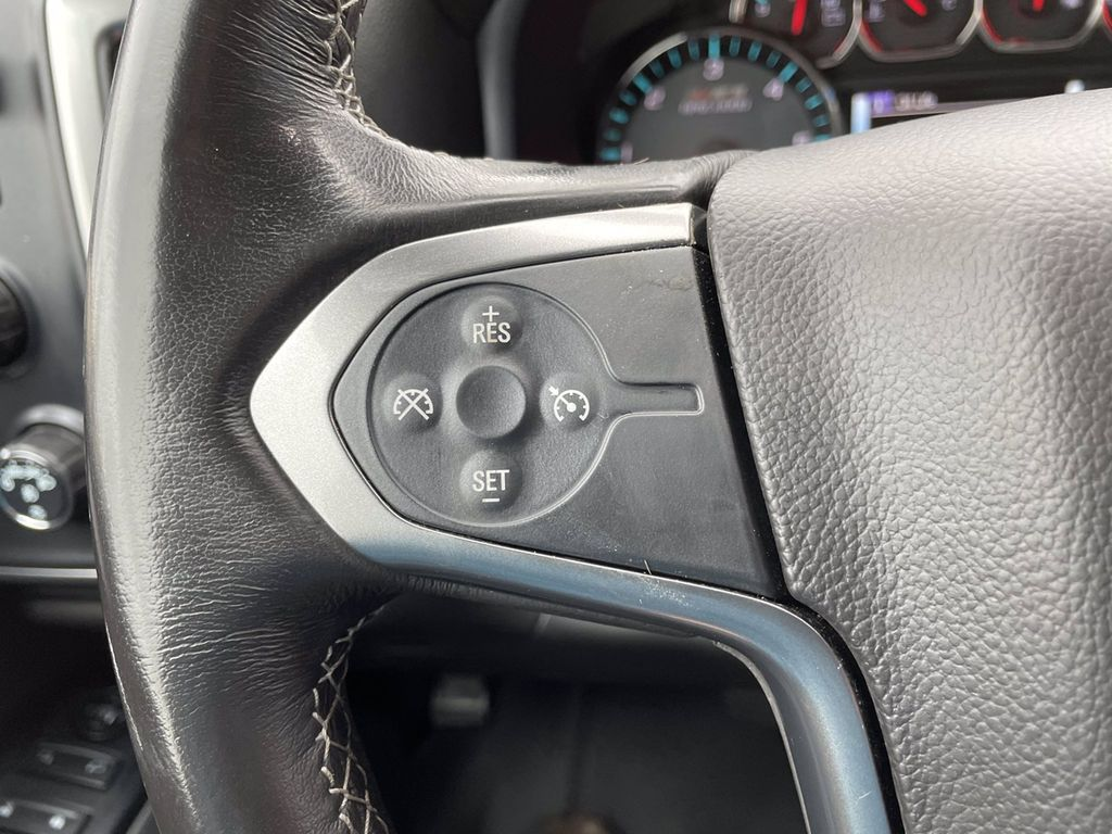 Red[Cajun Red Tintcoat] 2018 Chevrolet Silverado 1500 Radio Controls Closeup Photo in Brandon MB
