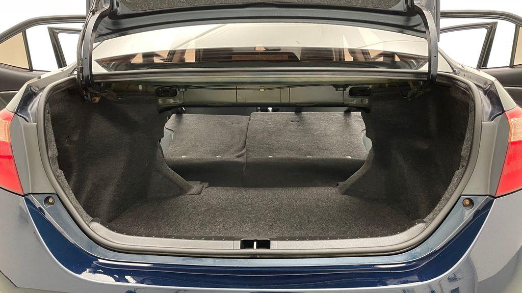 Blue[Galactic Aqua Mica] 2018 Toyota Corolla LE - Corolla Upgrade Package w/ Sunroof, Alloys Rear Seat: Cargo/Storage Photo in Winnipeg MB