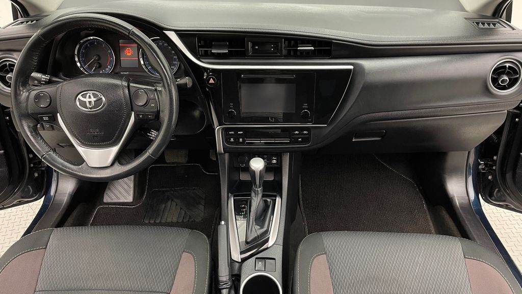 Blue[Galactic Aqua Mica] 2018 Toyota Corolla LE - Corolla Upgrade Package w/ Sunroof, Alloys Central Dash Options Photo in Winnipeg MB