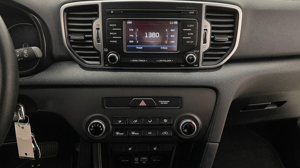 White[Snow White Pearl] 2019 Kia Sportage LX AWD - Heated Seats, Backup Camera, Bluetooth Additional Photo 3 in Winnipeg MB