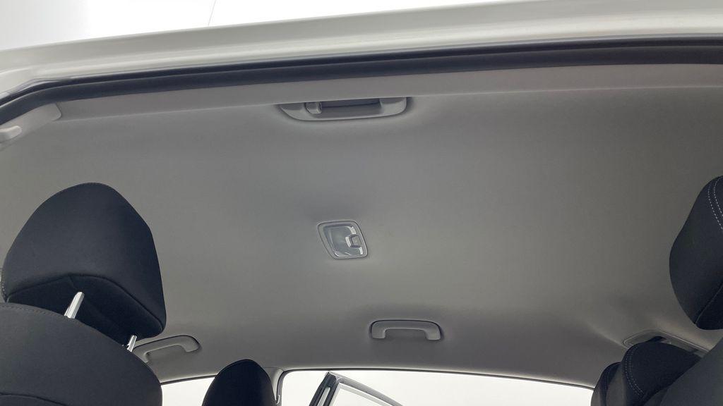 White[Snow White Pearl] 2019 Kia Sportage LX AWD - Heated Seats, Backup Camera, Bluetooth Headliner / Equipment Photo in Winnipeg MB