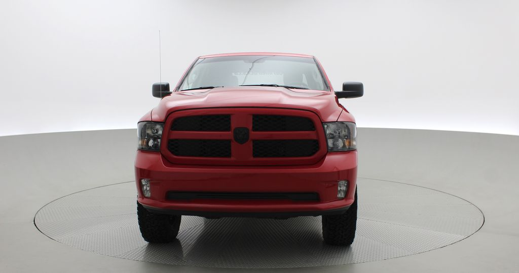 Red[Bright Red] 2018 Ram 1500 Express 4WD - Crew Cab, HEMI, RC Suspension Lift Front Vehicle Photo in Winnipeg MB