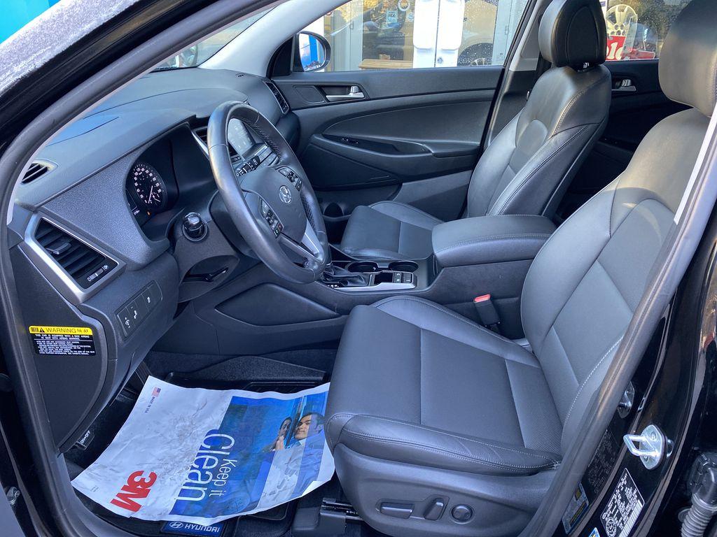 Black[Ash Black] 2018 Hyundai Tucson SE Left Front Interior Photo in Canmore AB