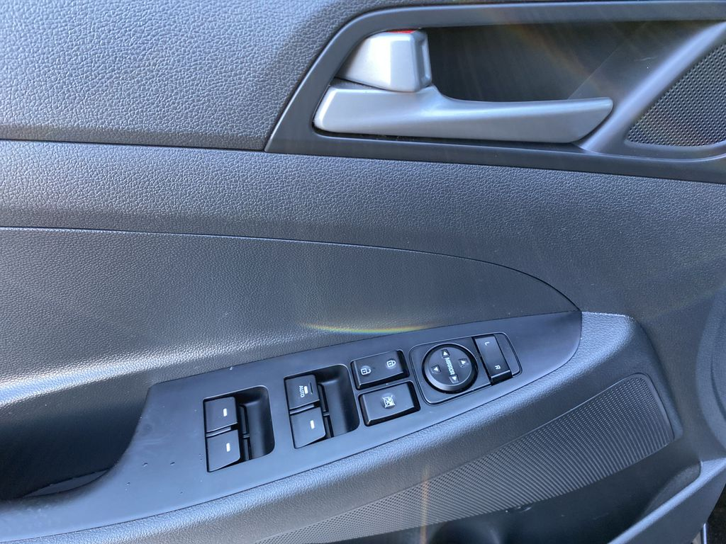 Black[Ash Black] 2018 Hyundai Tucson SE  Driver's Side Door Controls Photo in Canmore AB