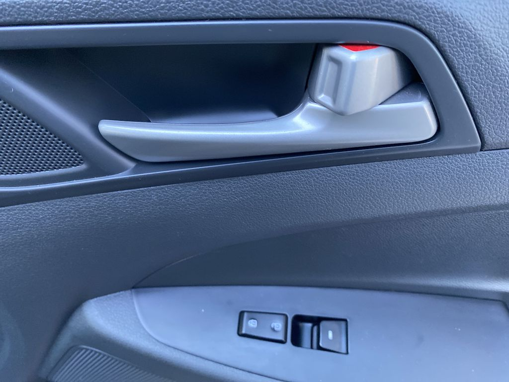 Black[Ash Black] 2018 Hyundai Tucson SE Passenger Front Door Controls Photo in Canmore AB