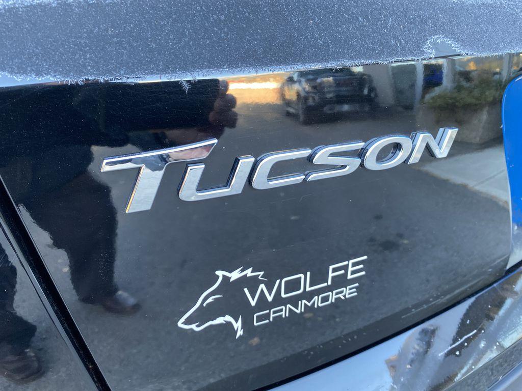 Black[Ash Black] 2018 Hyundai Tucson SE Trim Specific Photo in Canmore AB