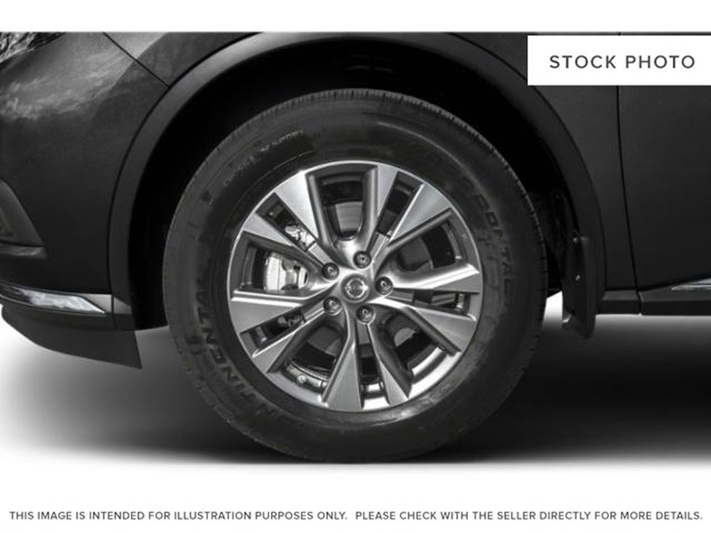 White[Pearl White] 2018 Nissan Murano Left Front Rim and Tire Photo in Okotoks AB