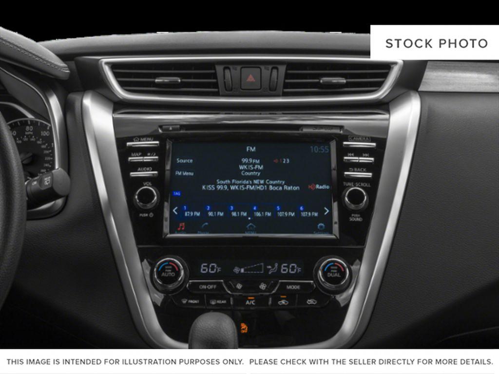 White[Pearl White] 2018 Nissan Murano Radio Controls Closeup Photo in Okotoks AB