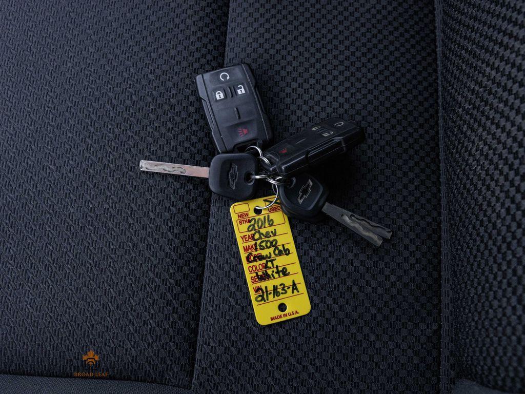 2016 Chevrolet Silverado 1500 2LT Key and Fob Photo in Nipawin SK
