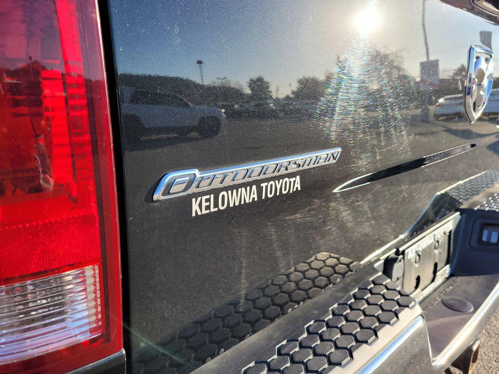 Black[Brilliant Black Crystal Pearl] 2016 Dodge Ram 1500 Outdoorsman 4WD Trim Specific Photo in Kelowna BC